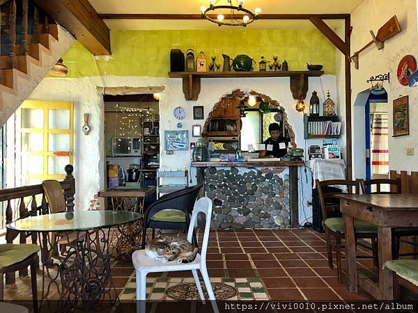 金山跳石沒有名字的咖啡店_201005_8.jpg