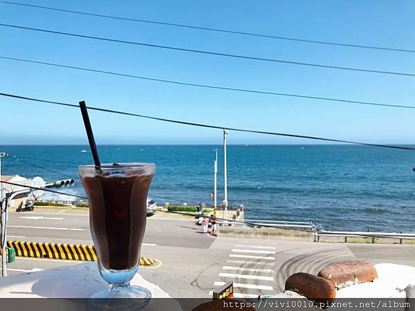 金山跳石沒有名字的咖啡店_201005_14.jpg