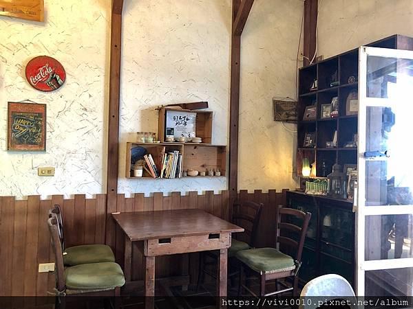 金山跳石沒有名字的咖啡店_201005_19.jpg