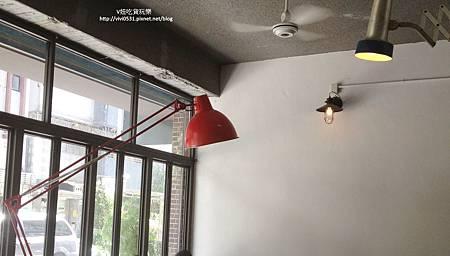 大紅檯燈.JPG