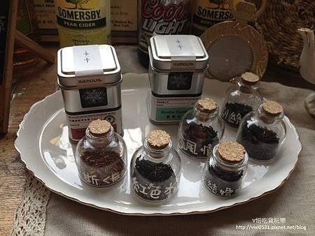 小茶葉罐.JPG