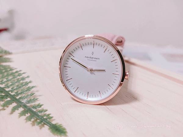 nordgreen-Infinity - Pink Leather (4).jpg