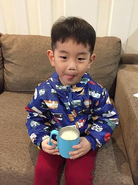 讓寶寶吸收好、排便順暢的金可貝可幼兒成長配方奶_img_23