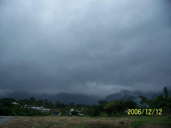20061212新社附近路上.jpg