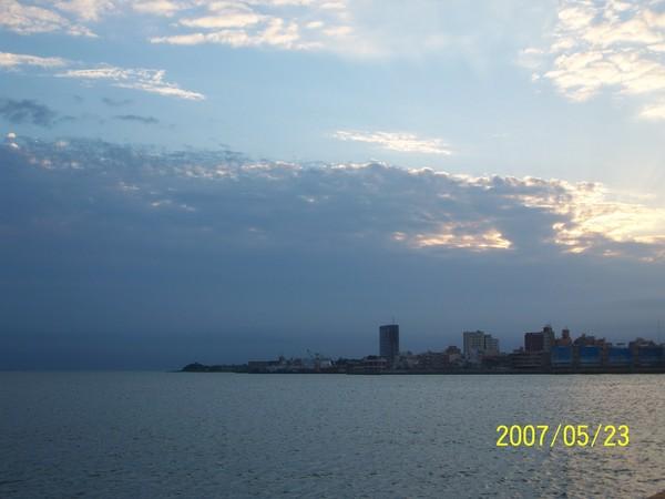 這是在第三碼頭的造船廠附近所拍的.jpg