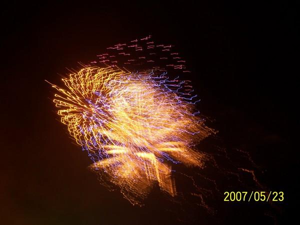 煙火燦爛的天空_001.jpg