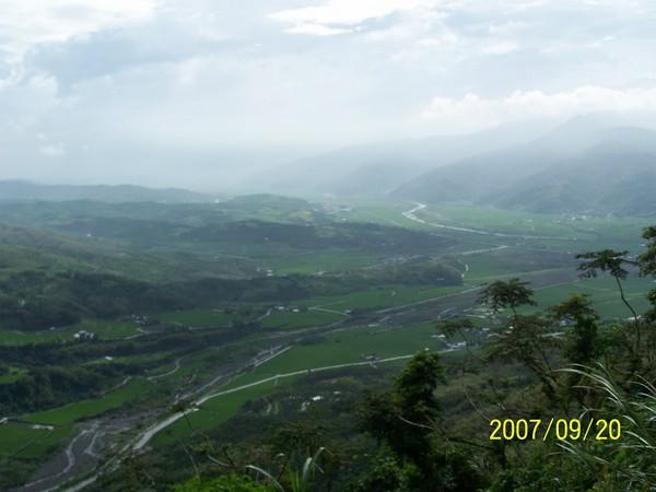 2007/9/20在要前往六十石山區的山路上所拍的_000.jpg