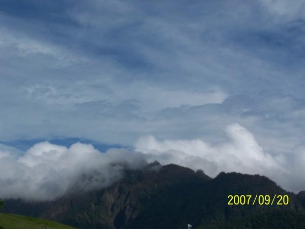 2007/9/20六十石山山嶺上的風景.jpg
