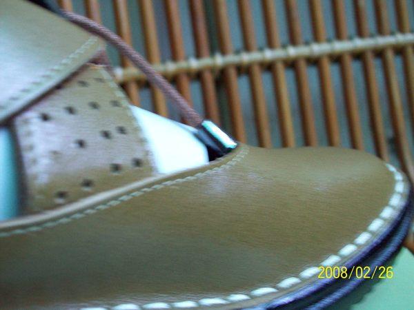 這是在此趟旅遊出發錢哈尼買給我的鞋子粉好穿唷^^_001.jpg