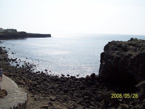 20080528遠晀鯨魚洞與海.jpg