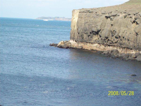 20080528鯨魚洞另一邊的海.jpg