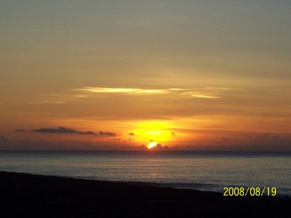 20080819拍攝於太麻里某處沙灘04.jpg