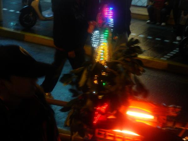 20110215拍攝於武轎踩街082.jpg