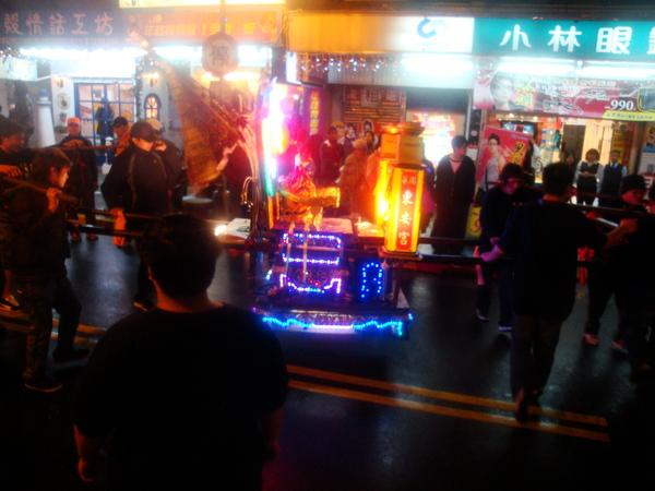 20110215拍攝於武轎踩街076.jpg
