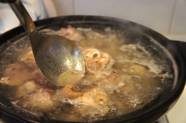 黃金蟲草雞湯