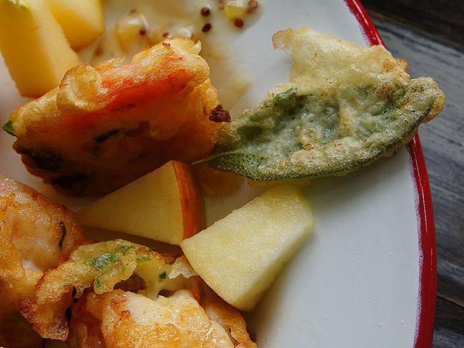 蘋果蝦球佐鳳梨芥末籽醬
