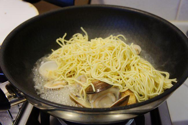 海鮮炒麵搭配虱目魚兩吃