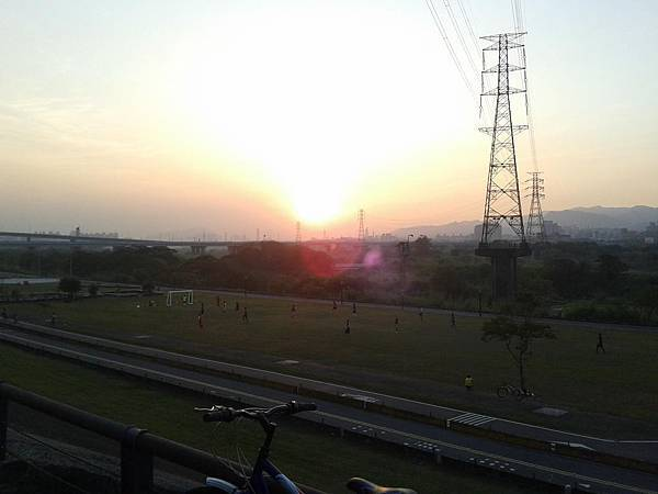 黃昏河濱公園1.jpg