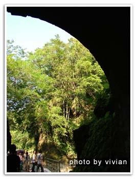 陰涼的隧道過後,依然要跟太陽公公相遇的啦!!