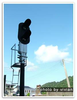 藍天/白雲/號誌燈
