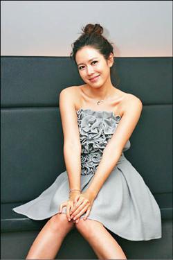 南韓有「優雅女神」的封號孫藝珍.jpg