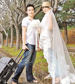 40歲謝瓊和嫁27歲未婚夫劉子龍.jpg