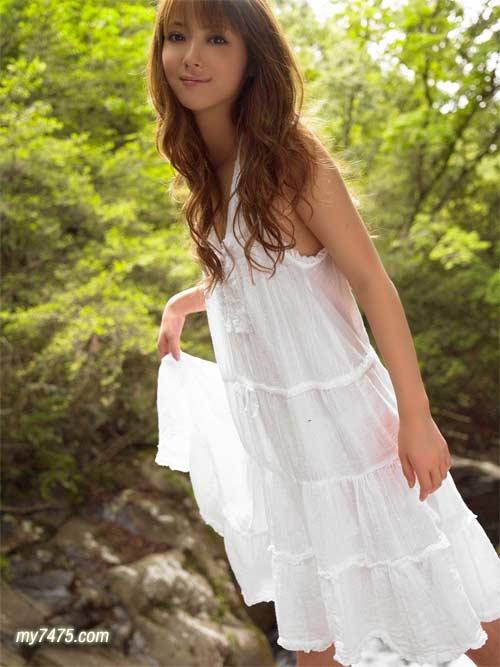 日本最正的女模佐佐木希01.jpg