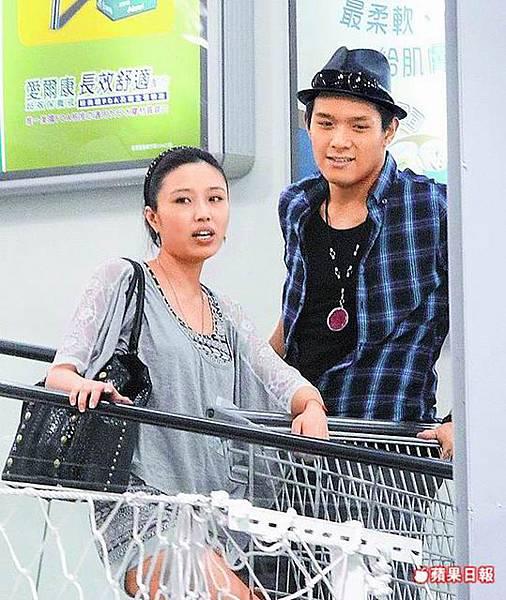 余筱萍搭上小11歲的嫩男李銓