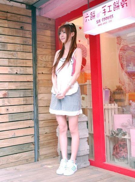東海餅乾妹 美術系08.jpg