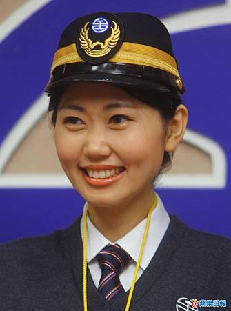 台鐵正妹列車長「小林志玲」池佳真.jpg