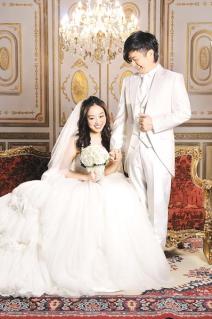 黃舒駿娶小他24歲的嫩妻張菁芳(Sophia).jpg