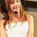 「超萌歌姬」的14歲英國少女貝琪庫爾02.jpg