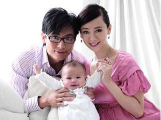 翁虹帶女兒返台與婆家共度端午佳節01.JPG