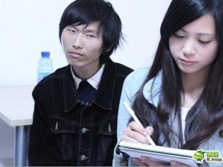 「茫然弟」的新照片意外捧紅同學「清純妹」.JPG