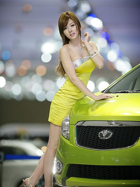韓國巨乳車模黃美姬01.jpg
