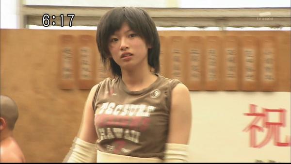 大高靜流:相撲界第一美少女力士.jpg
