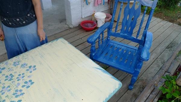 小玉姐DIY的桌子及椅子