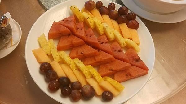 1030629-13環球季節鮮水果.jpg