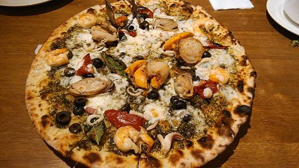 1030916-7PIZZERIA OGGI青醬海鮮披薩.jpg