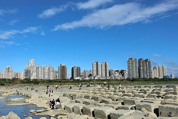 1051211-1頭前溪豆腐岩.JPG