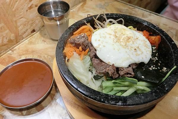 1060429-7韓鍋人牛肉石鍋拌飯$168.JPG