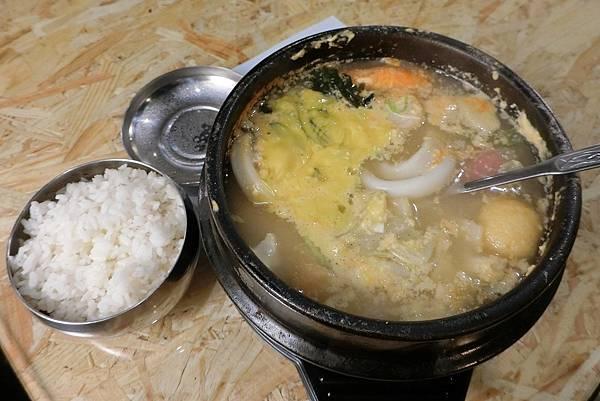 1060429-9韓鍋人起司海鮮豆腐鍋$183.JPG