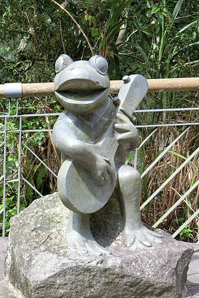 1060625-2青蛙石.JPG
