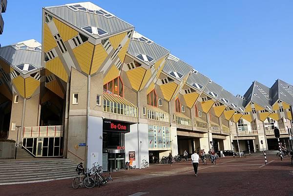 1061016-70鹿特丹方塊屋.JPG