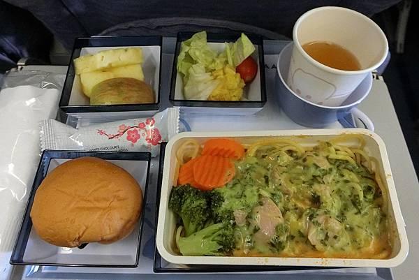1070617-8奇幻北印金三角青醬雞肉麵.JPG