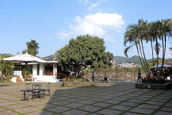 1080418-35.Shangrila Village.JPG