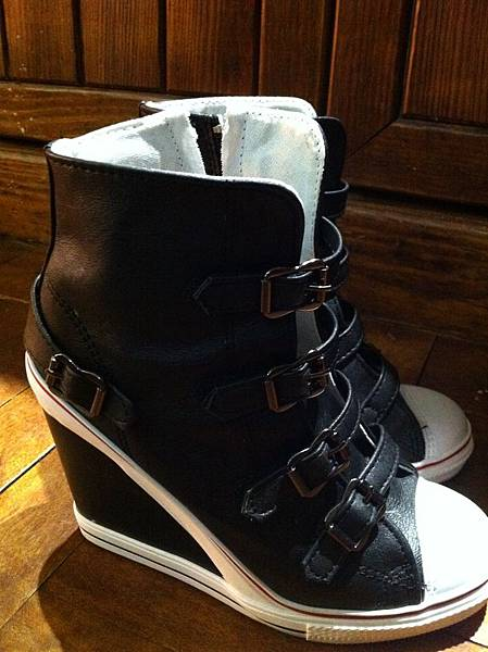 楔型高跟運動鞋