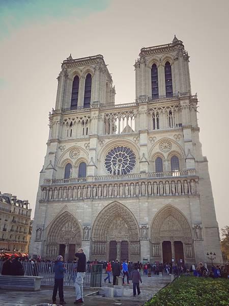 聖母院Cathédrale Notre-Dame de Paris