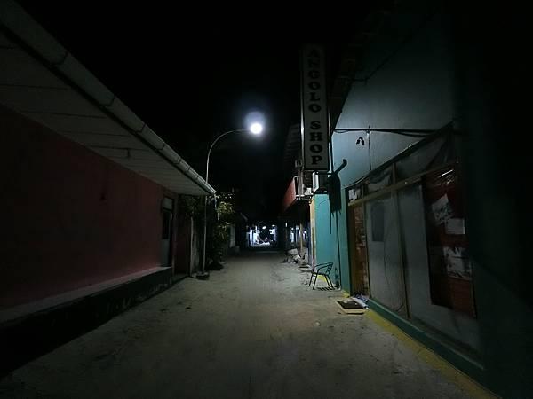 居民島 馬富施(Maafushi)