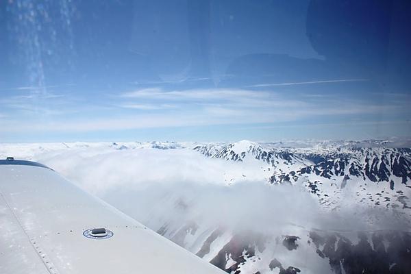 雲系就在我們旁邊:D